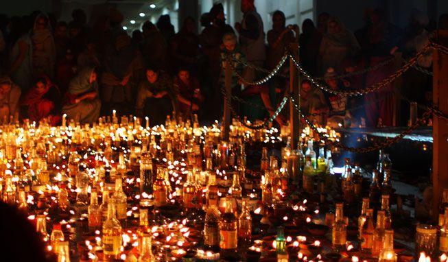 Diwali-Candle-Lighting-Group.jpg.838x0_q80